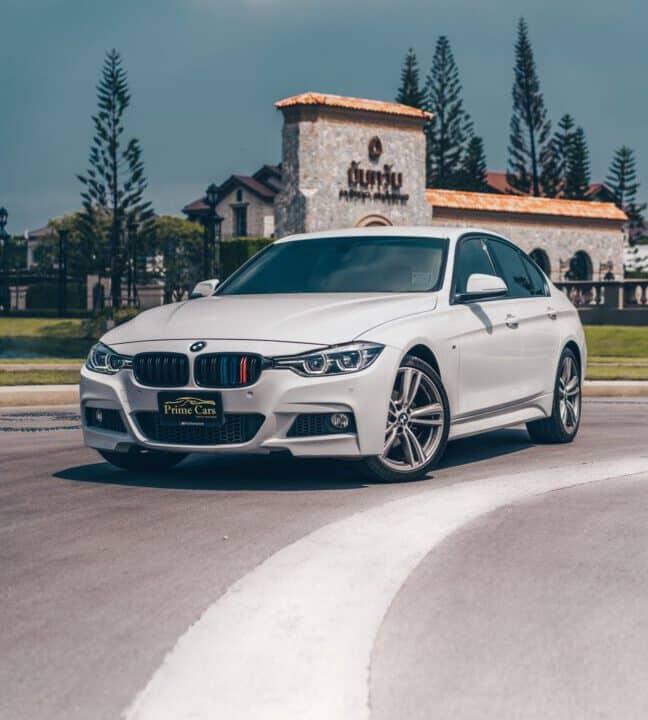 เช่ารถ BMW Series 3 F30