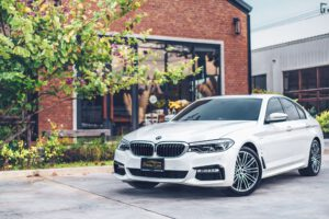 เช่ารถ BMW 530e M Sport รุ่นท้อป