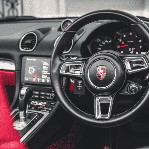ภายใน Porsche 718 Boxster