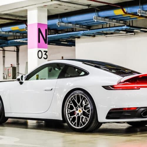 Porsche 911 Carrera S 992 เปิดสปอยเลอร์