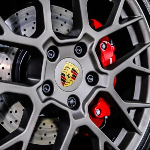 จานเบรคขนาดใหญ่ของ Porsche 911 Carrera S 992