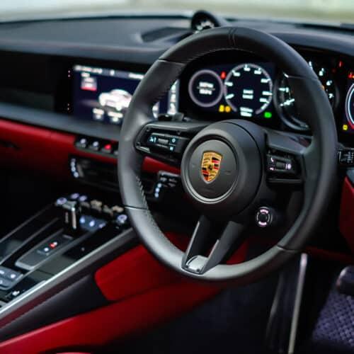 Porsche 911 Carrera S 992 เช่ารถหรู เช่ารถซุปเปอร์คาร์