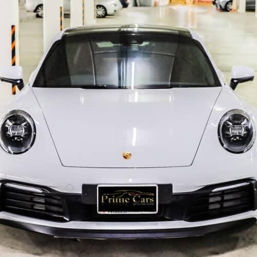Porsche 911 Carrera S 992 ด้านหน้า