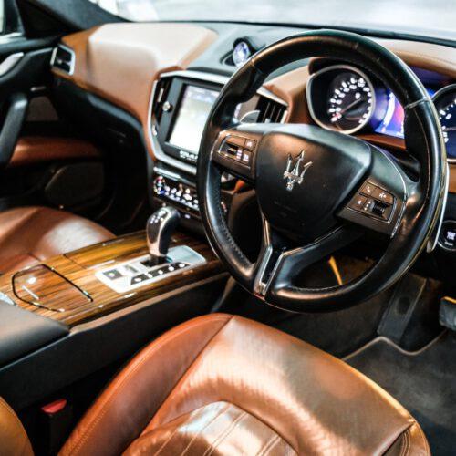 ภายในของ Maserati Ghibli น่าขับ
