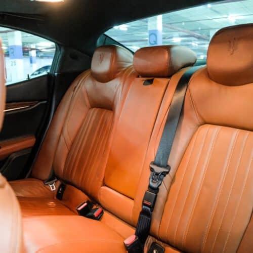 เบาะหลัง Maserati Ghibli