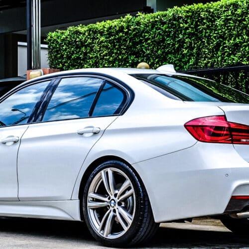 BMW 320i F30 ราคา