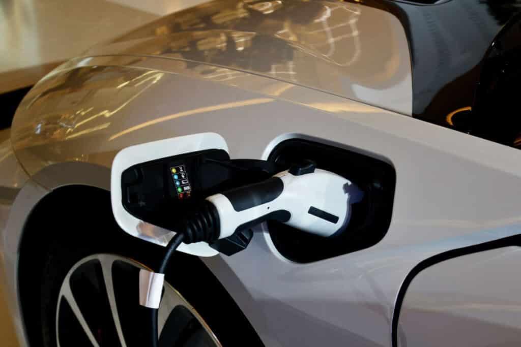 EV-Hybrid-Car-BMWi8
