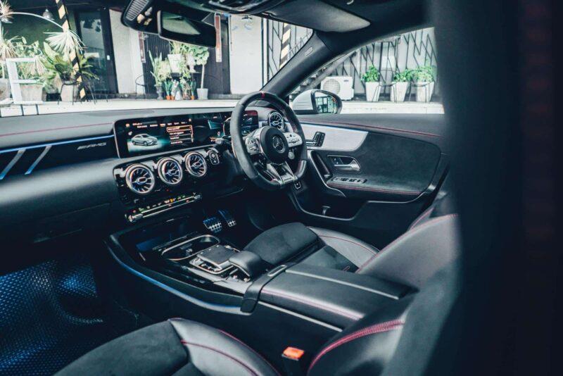 ภายใน Mercedes AMG CLA 35