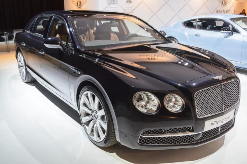 รถยนต์หรูระดับตำนาน Bentley Flying Spur
