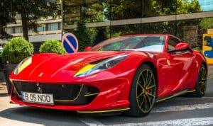 รถยนต์หรู-Ferrari-superfast
