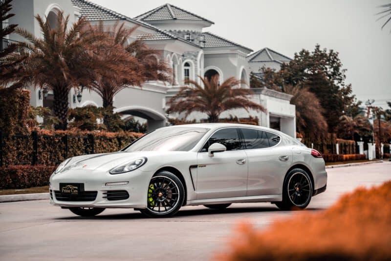 Porsche Panamera ประหยัดน้ำมัน
