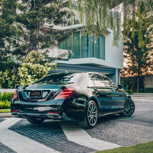 ด้านหลังของ Mercedes-Benz S Class 2021 เช่าขับเอง