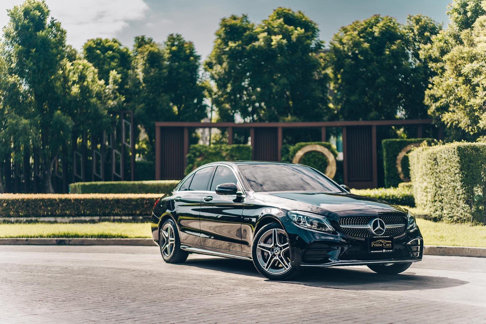 เช่ารถหรู Mercedes-Benz C300e AMG Dynamic (2021)