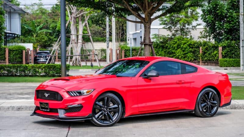 เช่ารถหรูสีแดง Ford Mustang 2.3 Ecoboost