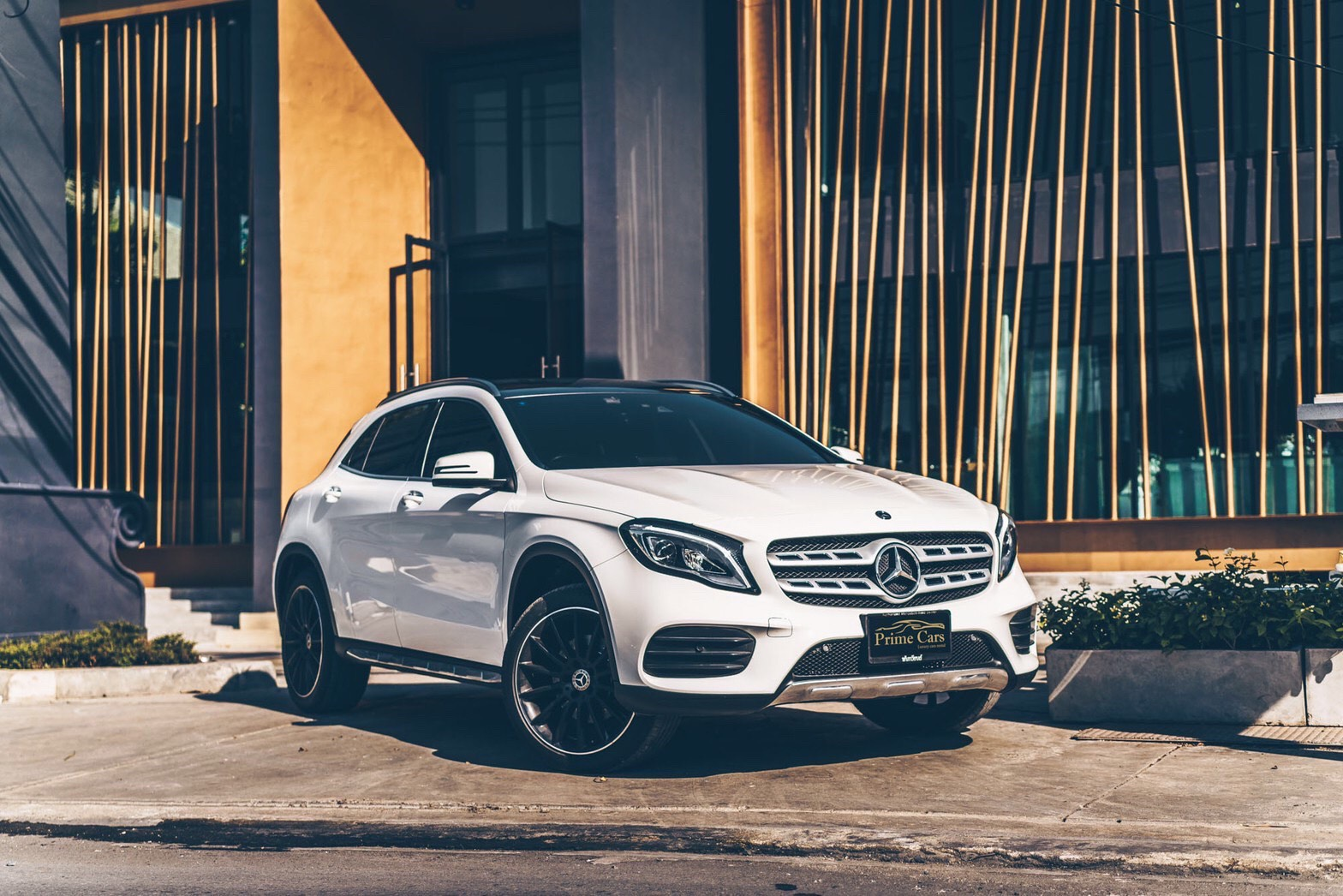 รถหรูให้เช่า Mercedes-Benz