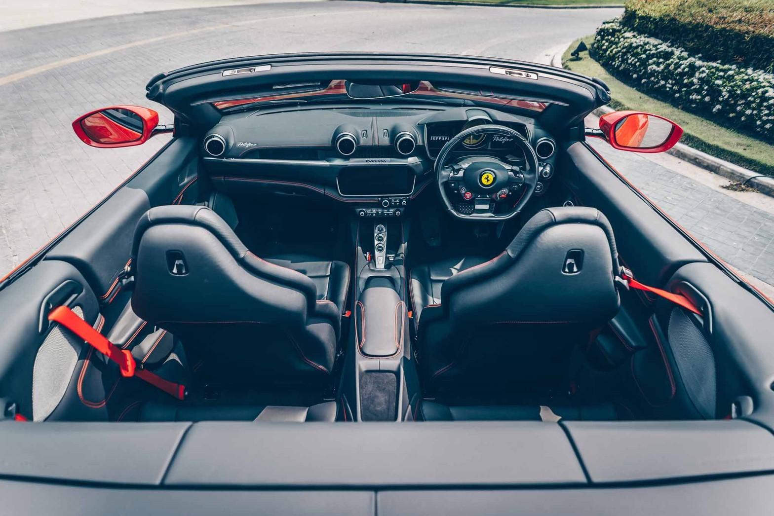 ภายใน Ferrari Portofino