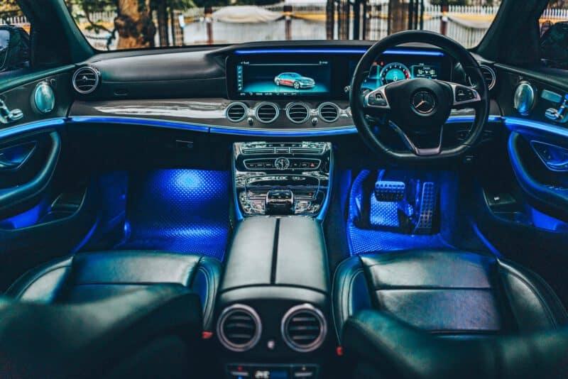 เช่ารถเบนซ์ Mercedes-Benz Ambient Lighting