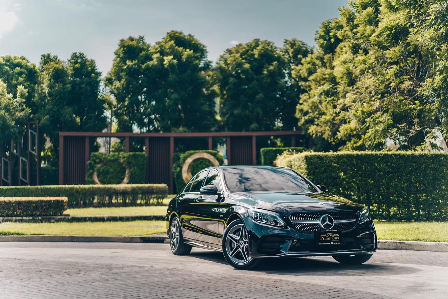 รถยนต์ไฟฟ้า Mercedes-Benz C300e AMG Dynamic