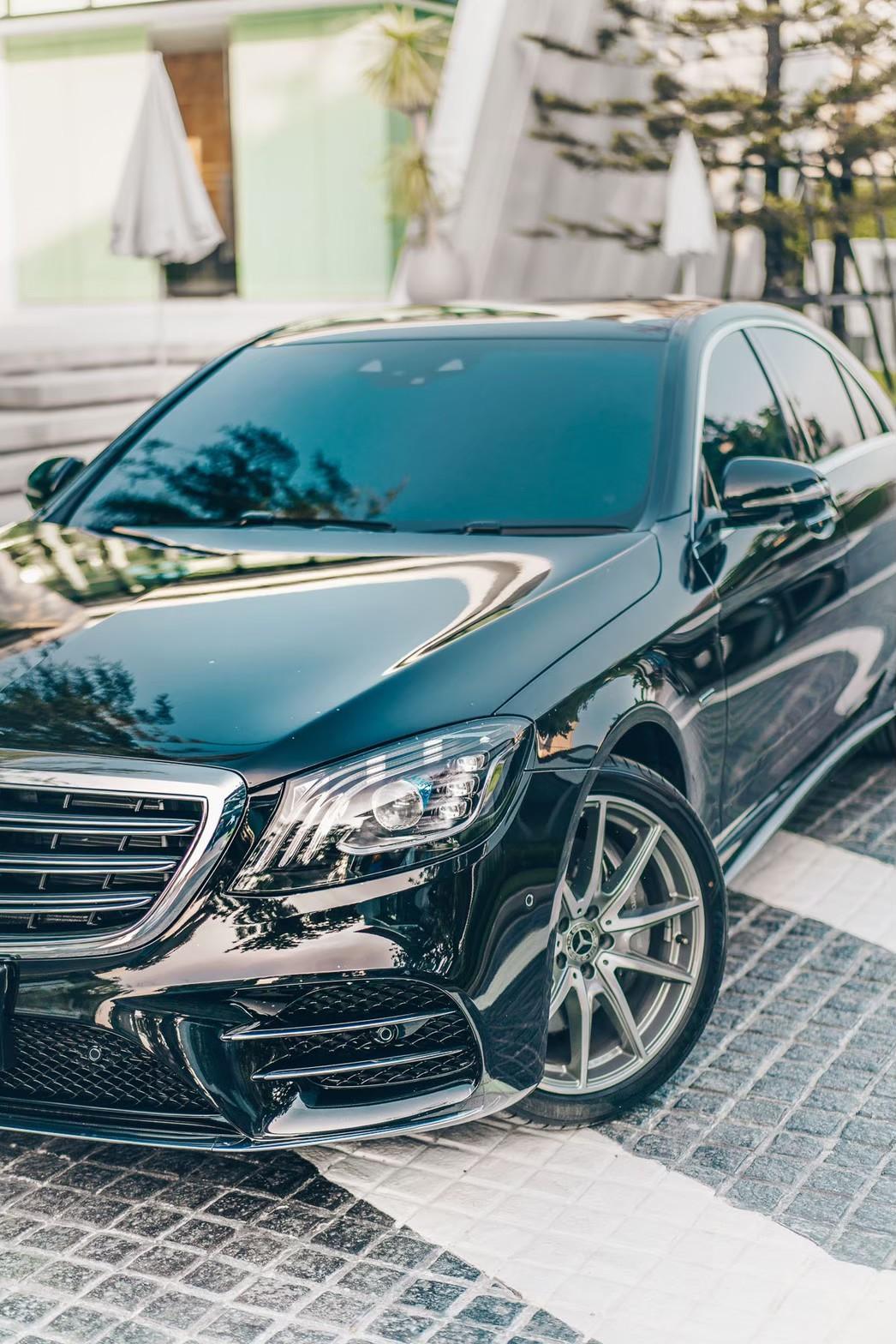 เช่ารถเบนซ์ Mercedes-Benz E350e Front