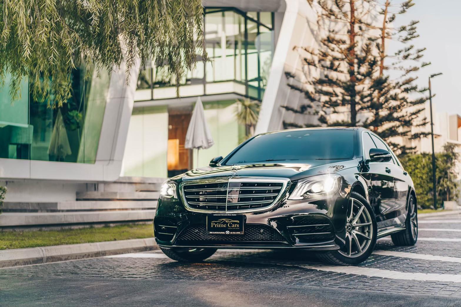เช่ารถเบนซ์ Mercedes-Benz E350e Plugin Hybrid AMG